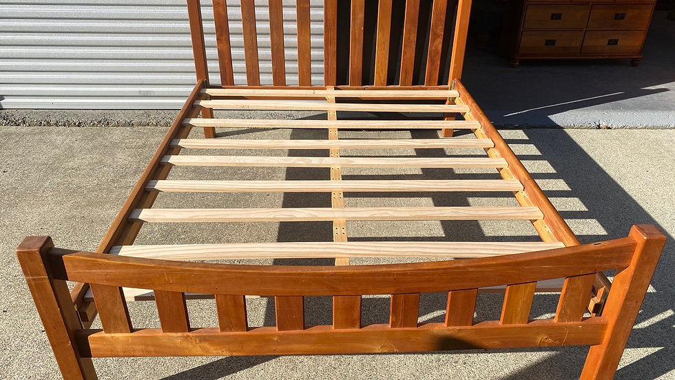 Millbrook queen size solid rimu slat bed