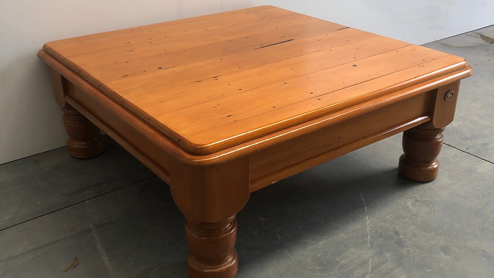 Woodpeckers 1m x 1m Coffee table!
