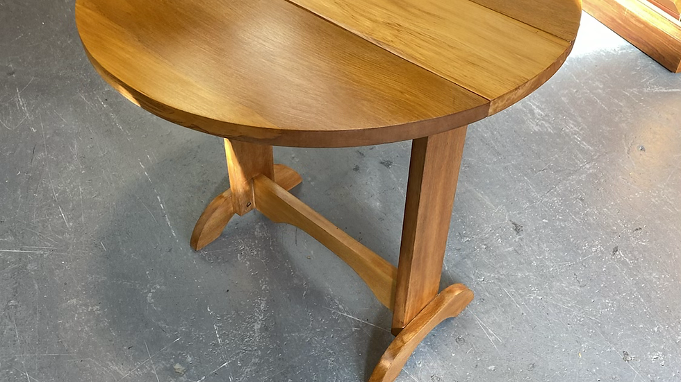 Solid rimu drop side table!