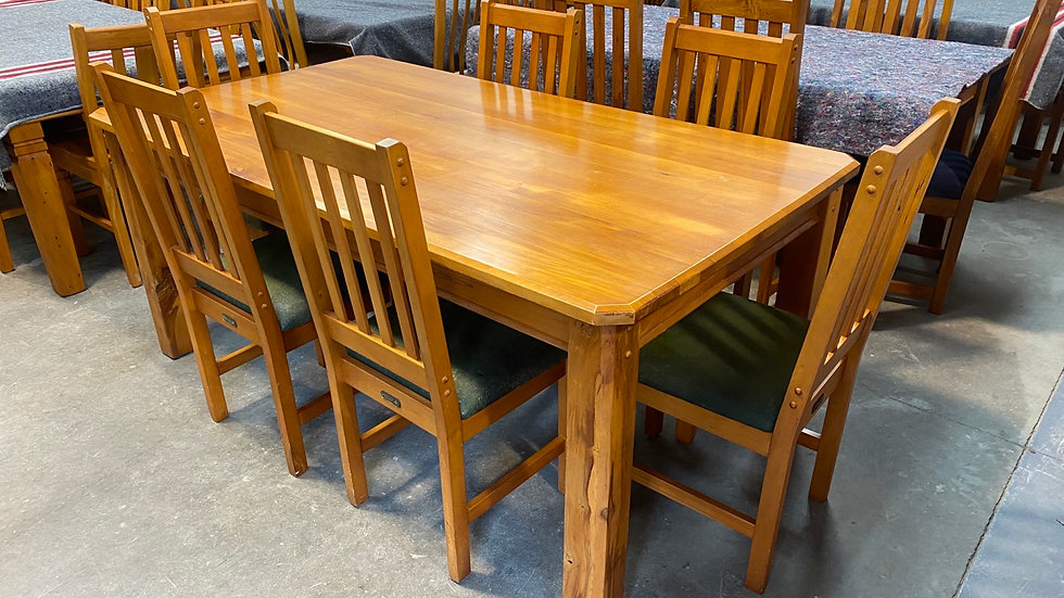 La Provence solid rimu 7pcs dining table!