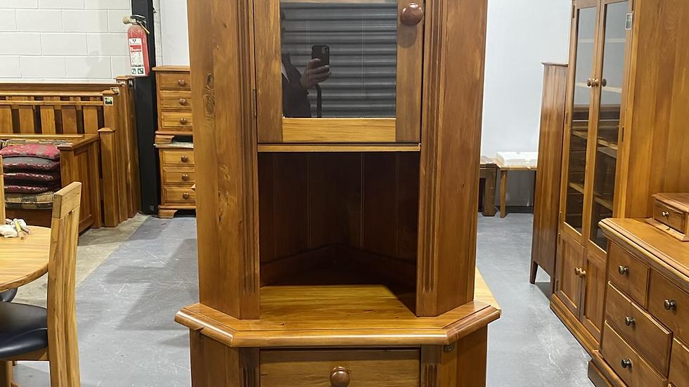 Woodpecker solid recycled rimu corner display unit!