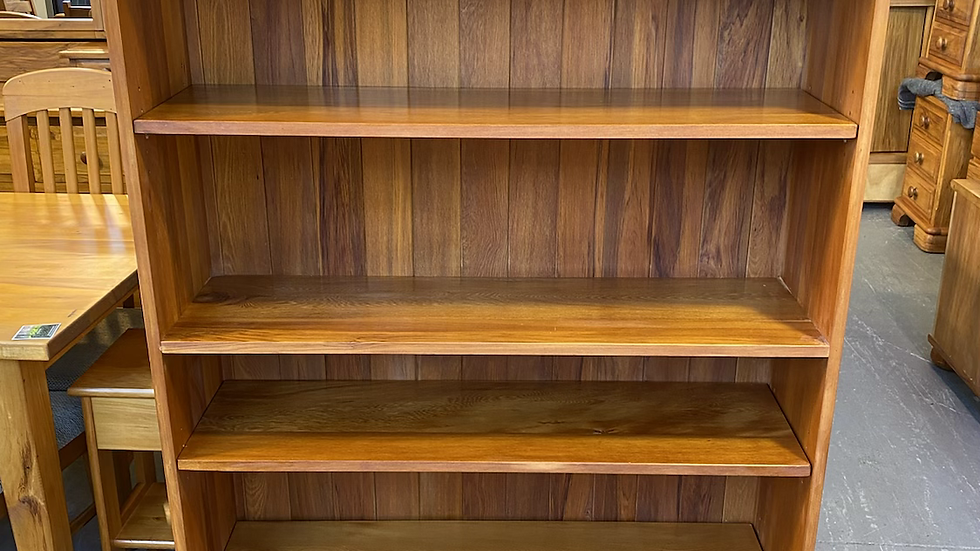 Classic wood solid rimu bookcase!