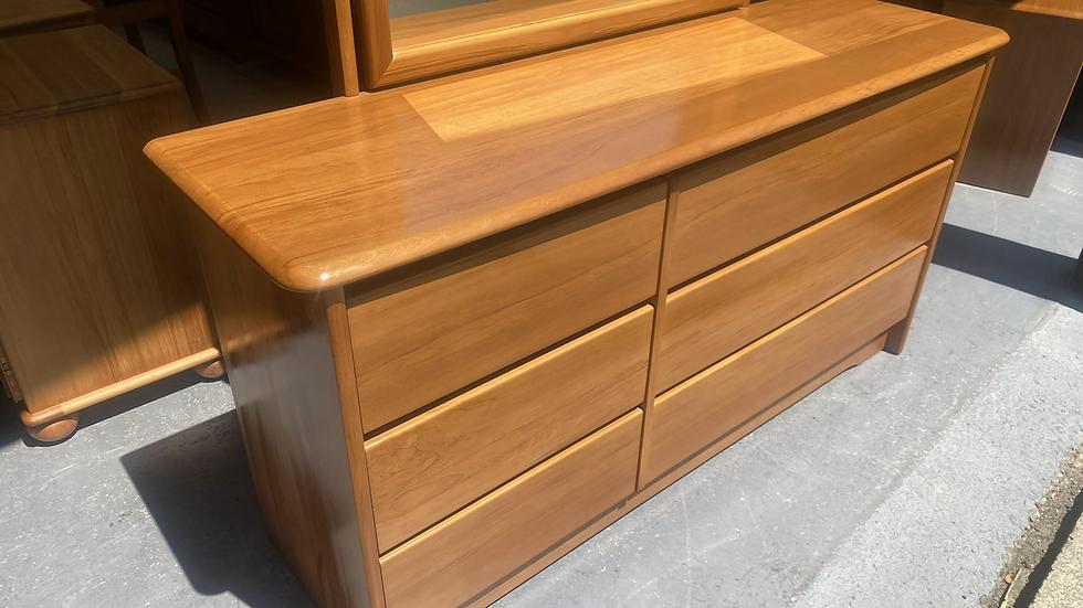 Danske mobler strada solid rimu 6 drawer dresser!