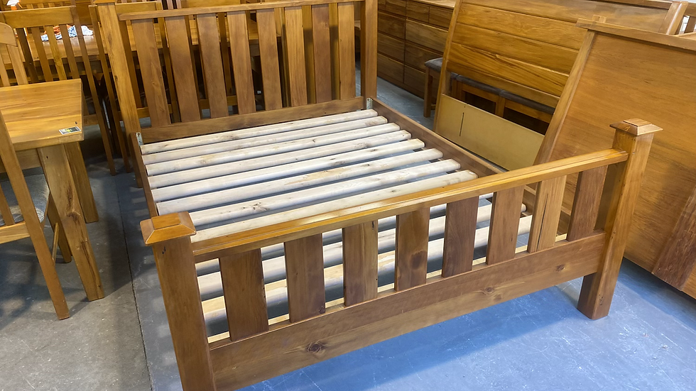 Woodpecker solid recycled rimu queen slat bed!
