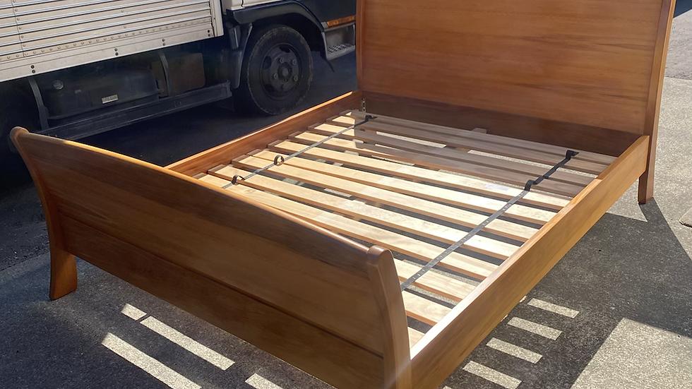 WAVE solid rimu king fix slat bed!