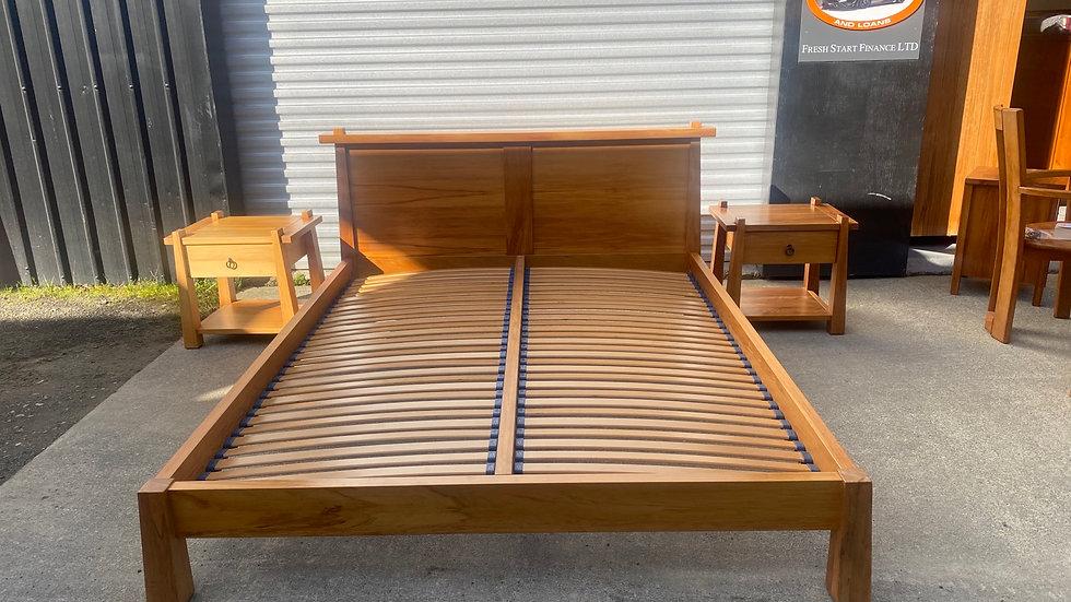 Design mobel solid rimu Ironbark king size flexislat bed! Bed only!