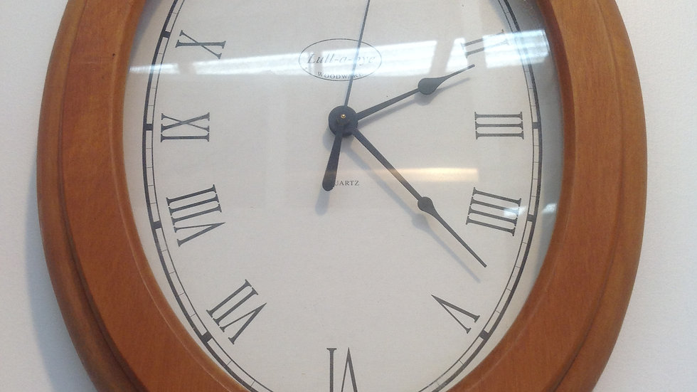 Lullabye Oval Rimu clock