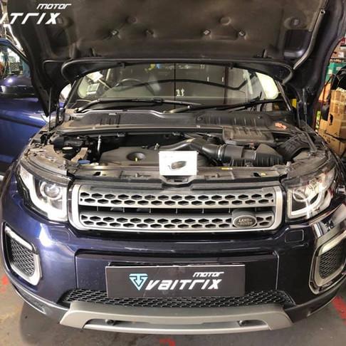 Land Rover Evoque installing Vaitrix DigiPedal throttle controller!