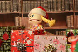 A puppet with some presents!