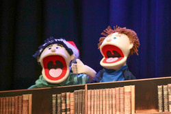Singing Christmas puppets!