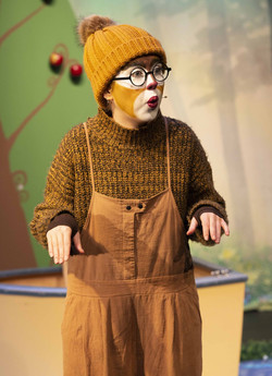 Alanah Parkin as Mole