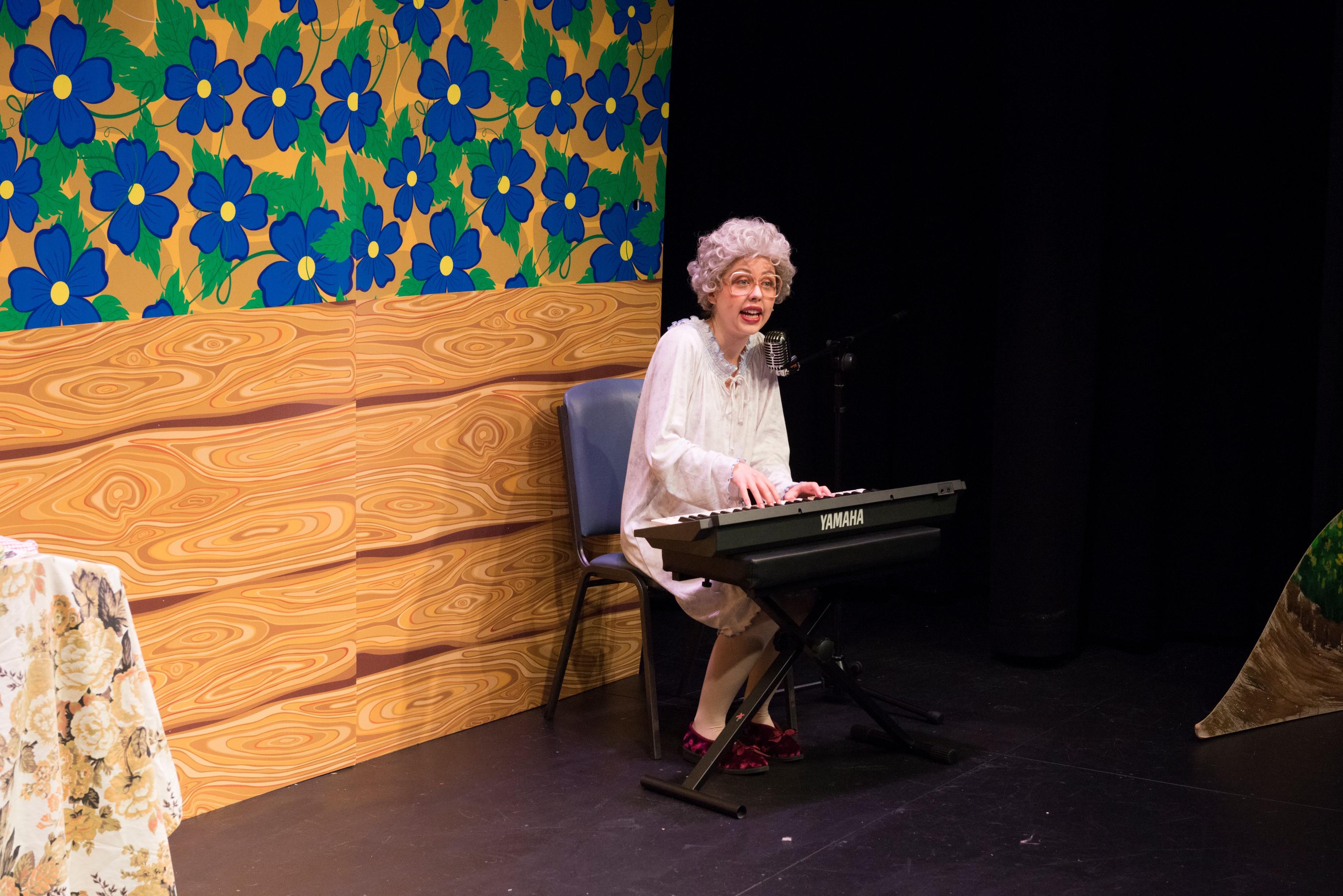 Alanah Parkin as Grandma Hood
