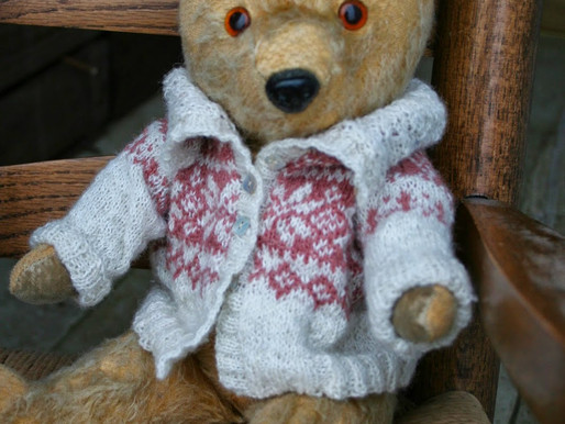 Edward Bear's Clothes - Cutting a Steek