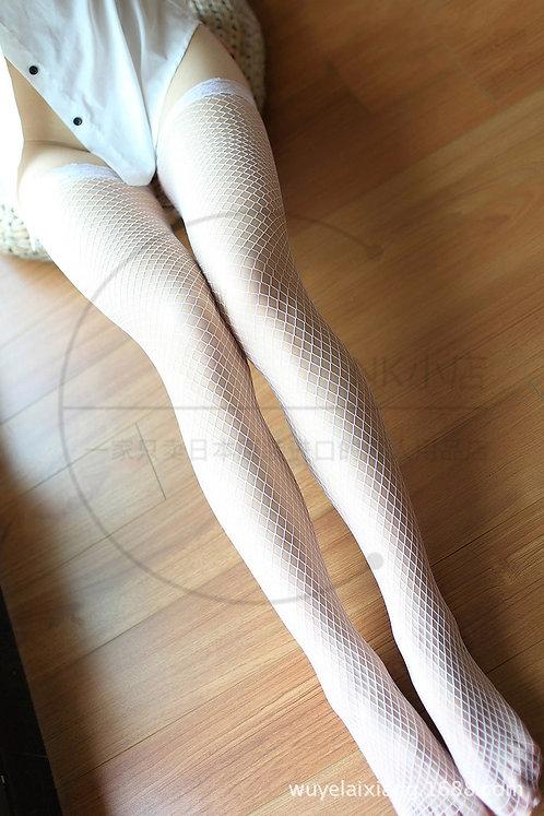 W016 诱惑弹力蕾丝花边网眼中网长筒丝袜(白色)