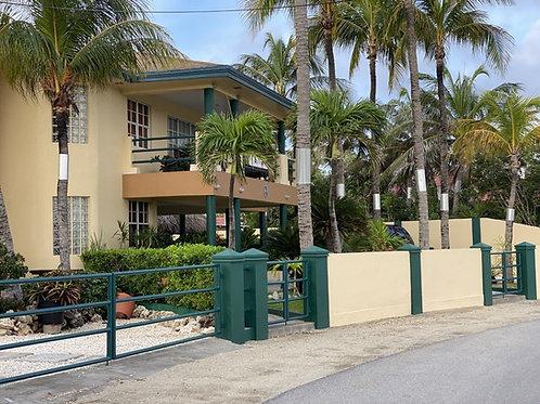 Villa AUA Palm Beach