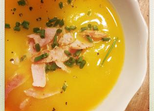 Soupe réconfortante au potiron, butternut et bacon