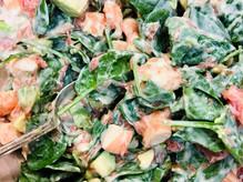 Salade de crevettes et pousses d'épinards