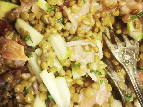 Salade de lentilles au saumon fumé et à la pomme