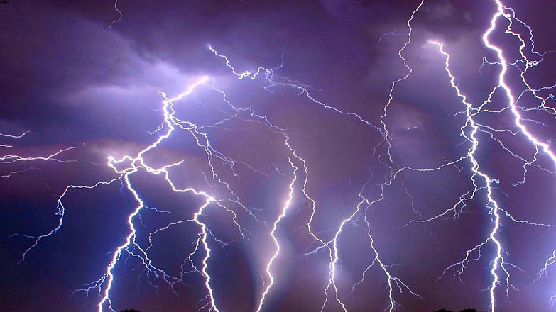 vunature.com-sky-storm-lightning-hd-nature-live-wallpapers-1366x768.jpg