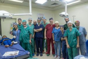 "Iraq, Habboubi Teaching Hospital di Nassiriya dove un equipe di dottori volontari italiani della onlus ""Emergenza Sorrisi"" operano i pazienti da ferite di guerra."