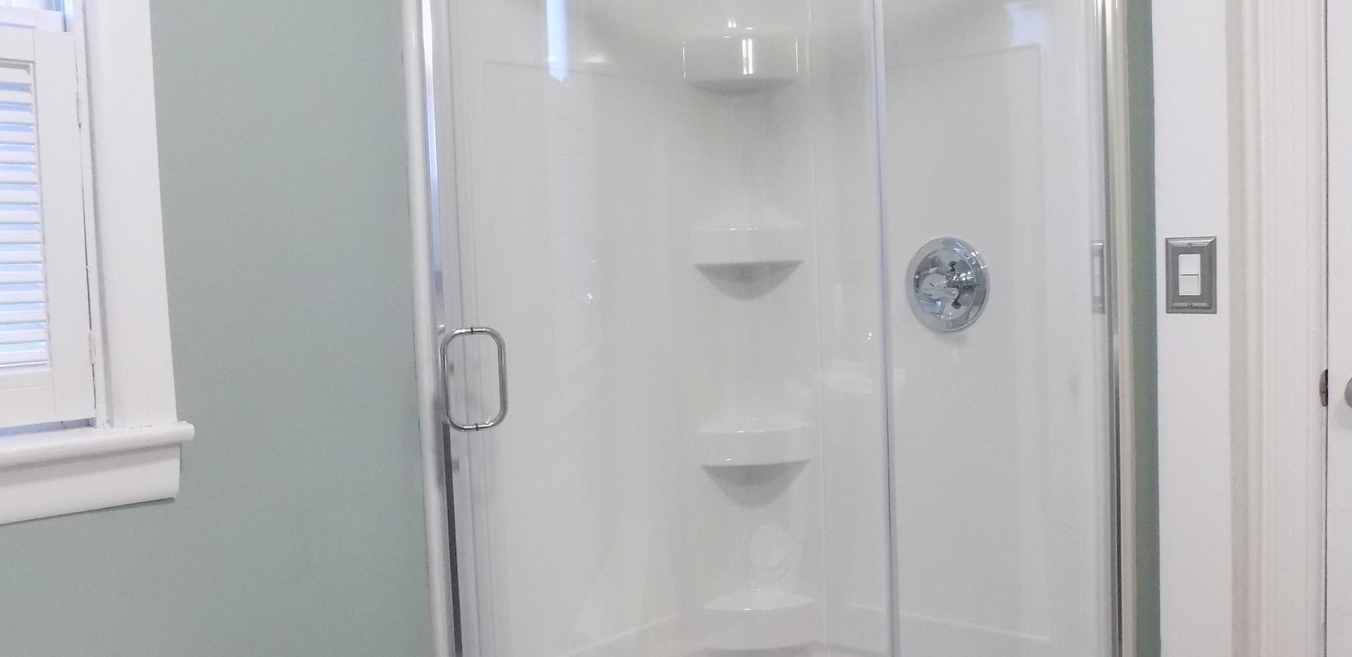 Bathroom B shower.jpg
