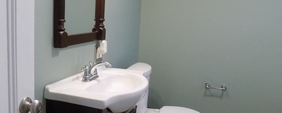 Bathroom B sink & mirror.jpg