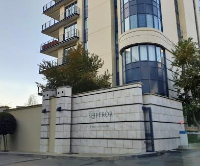Emperor Apartments