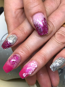 ProHesion Acrylic Nails with £D art