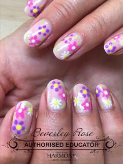 Pink & flowery natural nails