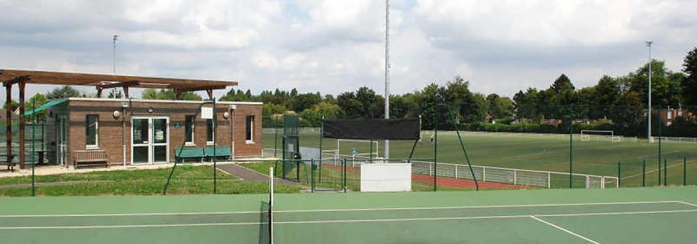 Installation d'une nouvelle centrale d'alarme intrusion compatible IP d'un complexe sportif