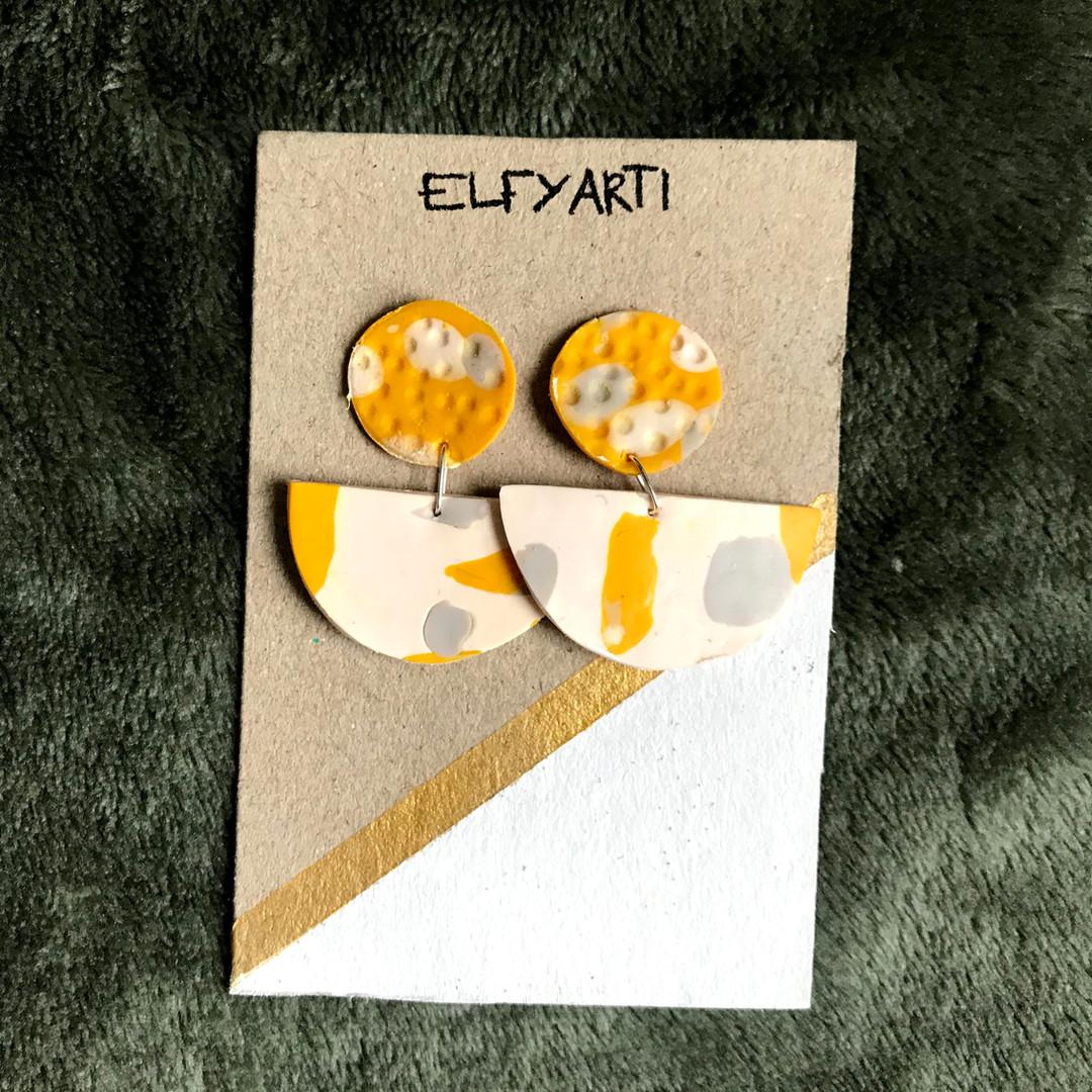 Yellow and gray dangles