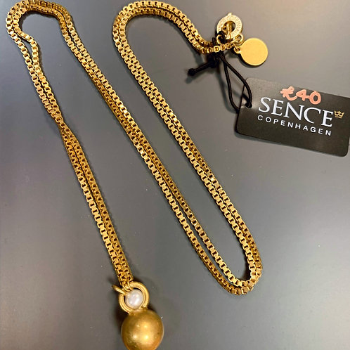 Gold box chain necklace with pearl and gold pendant