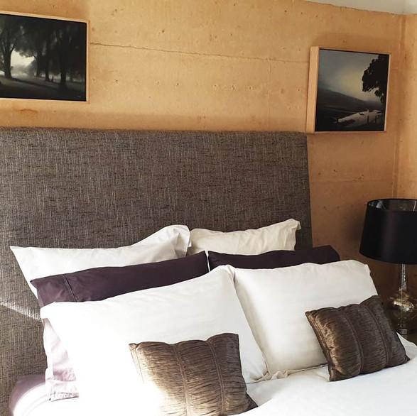 rivendell-winery-villas-bedroom-1.jpg