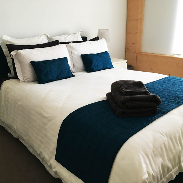 rivendell-winery-villas-bedroom-2'.jpg