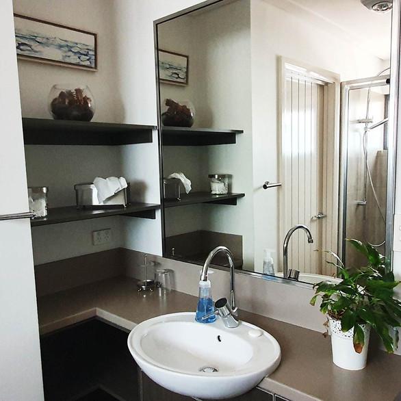 rivendell-winery-villas-bathroom2.jpg