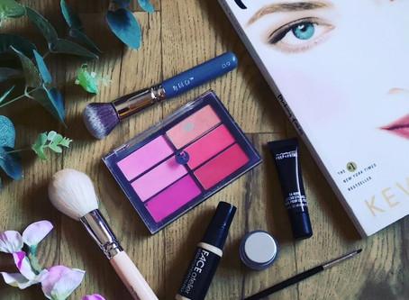 Luxury makeup needs a luxury kit!