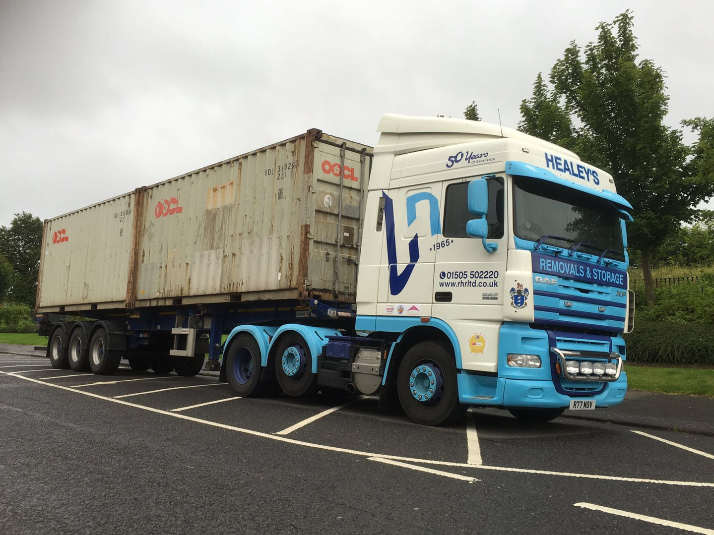 40ft container on Articulated Lorry