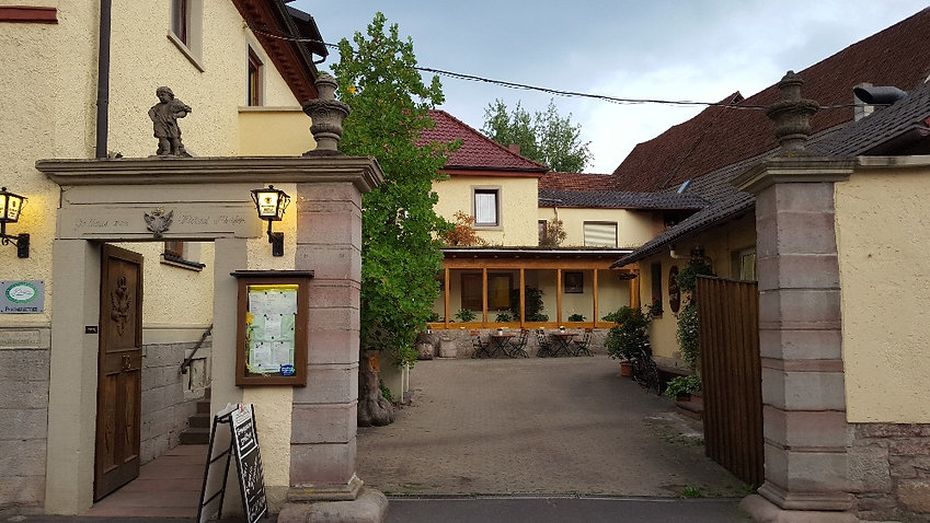 Hotel zum Adler bei Hammelburg für Geschäftsreisende und Monteure zum Übernachten geöffnet. Langendorf direkt neben der A7