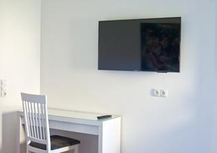 Modern eingerichtetes Hotelzimmer