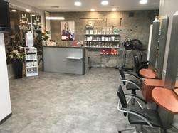 Agencement-et-menuiserie-salon-de-coiffure