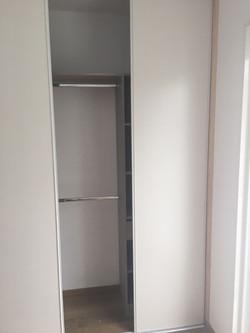rénovation-placard-et-pose-de-portes-coulissantes