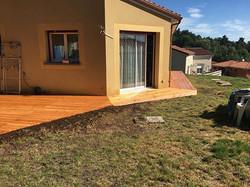 terrasse-bois-et-contour-maison-vitrifiés