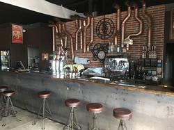 Agencement-comptoir-bar-restaurant.