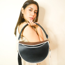 That 2in1 Moon-shaped Bag