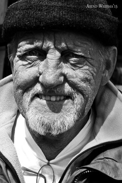 Old man street