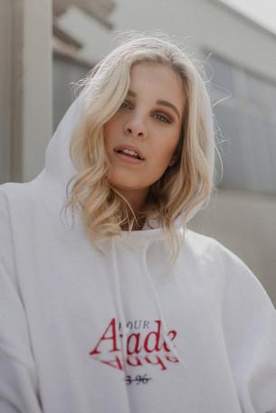 Interview: Model Victoria Schrötter (Austria)