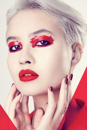 Interview: Model/Singer Donna Zed (Switzerland)