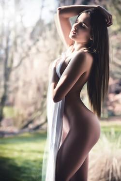 Model: Anou Shka