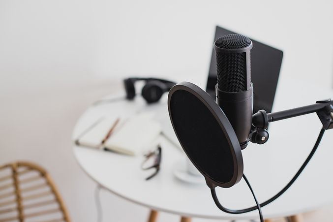 items-for-recording-online-podcast-studi