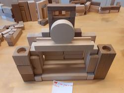 Palikkateatterin palikoilla voi rakentaa melkein mitä vaan